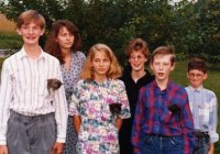funny_family_photos_kittens_80s.jpg