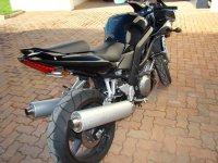 05 Suzuki SV1000S.jpg